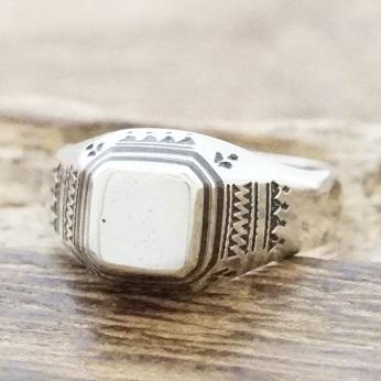 【あす楽】Tuareg silver(トゥアレグ シルバー)リング メンズ シルバー ウッド 指輪シグネットリング 印台リングトゥアレグ族 サハラ砂漠 遊牧民ハンドメイド ジュエリーアフリカ アクセサリーTA-126 【送料無料】