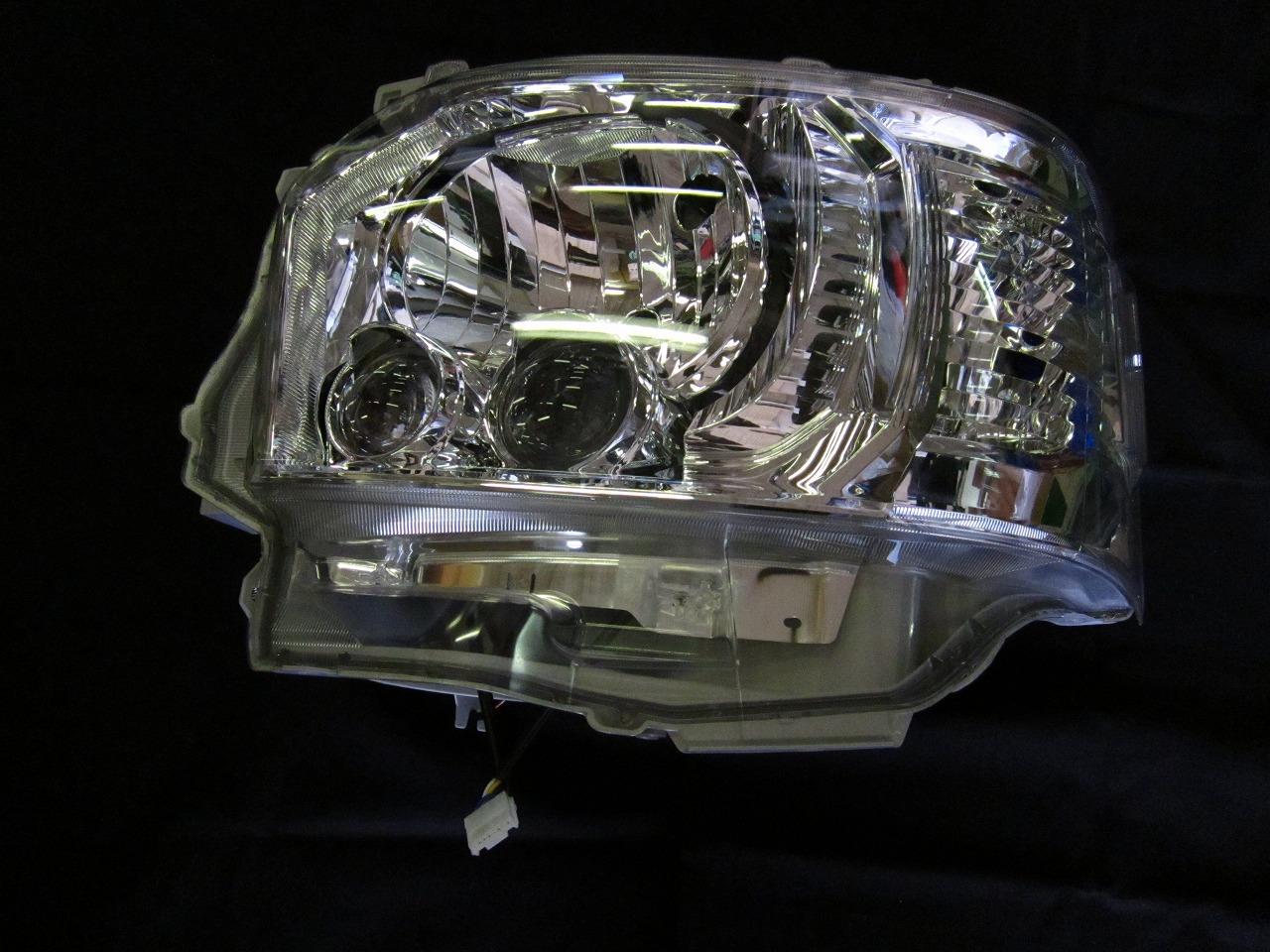 LEDヘッドランプユニットLH 81185-26832 4型ハイエース TRH200・KDH200系  トヨタ純正部