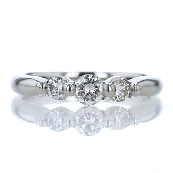 公式サイト Pt900 プラチナ リング ダイヤモンド 0.30ct 3粒 ライン 即出荷 ストレート 一文字 5号 指輪 デザイン 中古 シンプル 送料無料 jm 新品仕上済