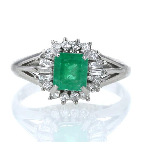 Pt900 プラチナ リング エメラルド 0.82ct ダイヤモンド 0.26ct スクエア 取り巻き 透かし 指輪 10.5号【新品仕上済】【cl】【中古】【送料無料】