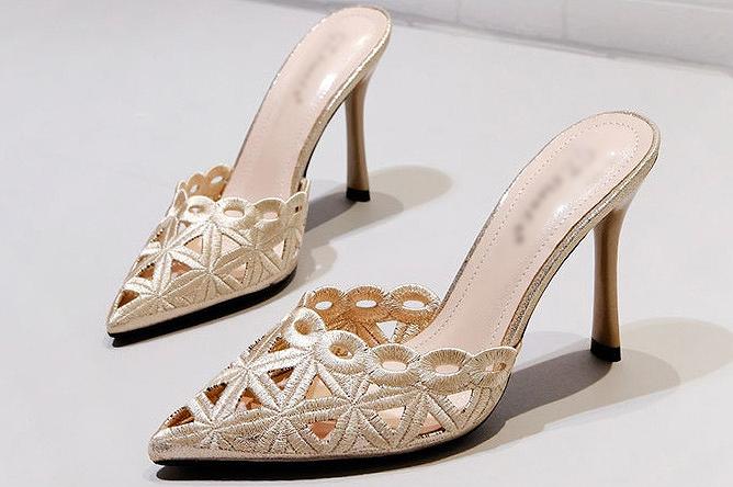 5c062c569d5 It is   zac89  in a mule sandals low heel high-heeled shoes party shoes  party shoes party pumps party sandals wedding ceremony shoes pumps invite  shoes ...