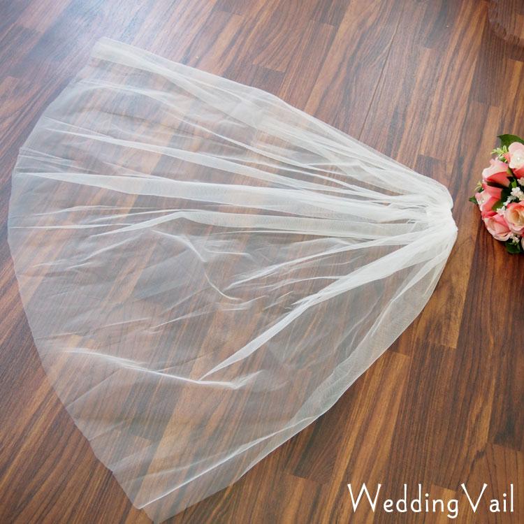 メール便OK ハロウィン仮装やコスプレにもなどのイベントにもお勧めのベール ウェディングベール 爆買いセール オフホワイト 白 ストア シンプルなチュール素材のウエディングベール VE002404-T ハロウィン 色々なウエディングドレスにも合わせやすい無地タイプのウェディングヘッドドレス髪飾り 結婚式などのブライダルシーンに コスプレ
