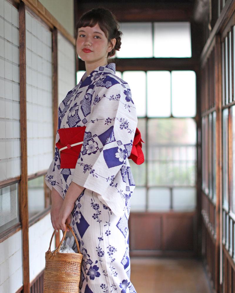 浴衣 レディース 3点セット(浴衣/帯/下駄) 青 ベージュ 赤 さくら 桜 花 レトロ レトロモダン フリーサイズ