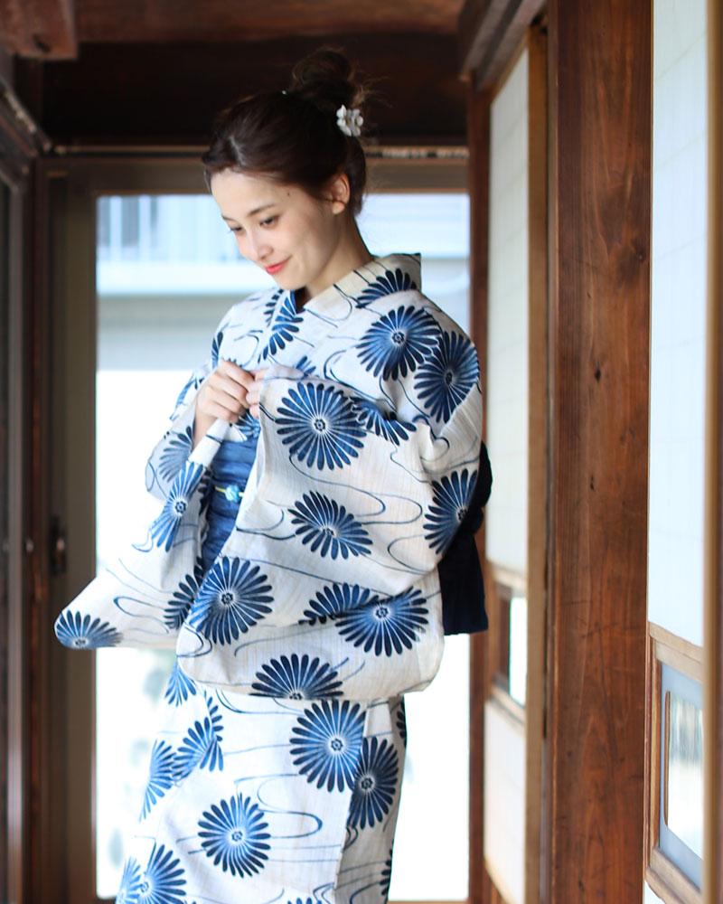 浴衣 レディース 3点セット(浴衣/帯/下駄) 青 白 ホワイト 紺 菊 水面 レトロ レトロモダン フリーサイズ