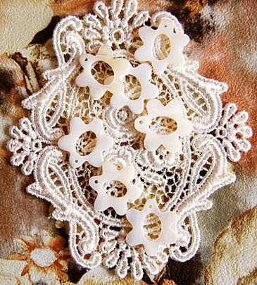 刺繍糸の仕分け 整理に便利 新商品 新型 白蝶貝のスレッドリング 正規品送料無料 マザーオブパール デイジー 7個セット