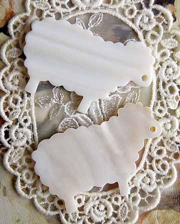 白蝶貝の糸巻き 2個セット ヒツジ マザーオブパール 割引も実施中 手芸 贈与 シェル 天然貝