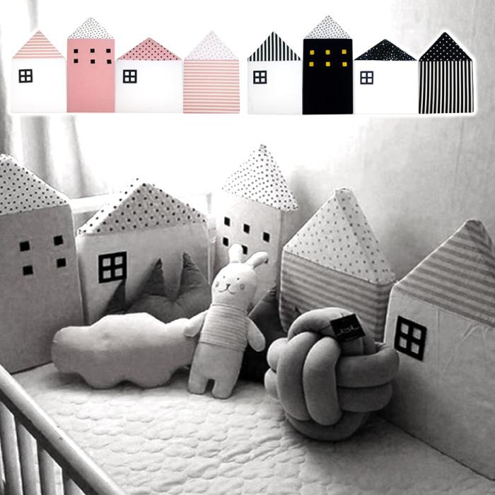 オシャレなデザインで注目されること間違いなし ベッドガード ベビー ハウス型 サイドガード 赤ちゃん 北欧 ベッドバンパー モノトーン バンパークッション 子ども部屋 出産祝い キッズルーム ベッド インテリア 最安値 衝撃吸収 割引 ギフト 転倒防止 ベッドフェンス