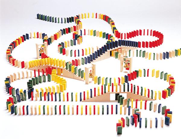 積み木 ブロック ドミノ倒し 3歳 4歳 5歳 ベルフリッツ ドミノレースセット 木のおもちゃ 木製 子供 ドイツ 誕生日プレゼント 誕生日 男の子 男 女の子 女 バースデー  ドミノ