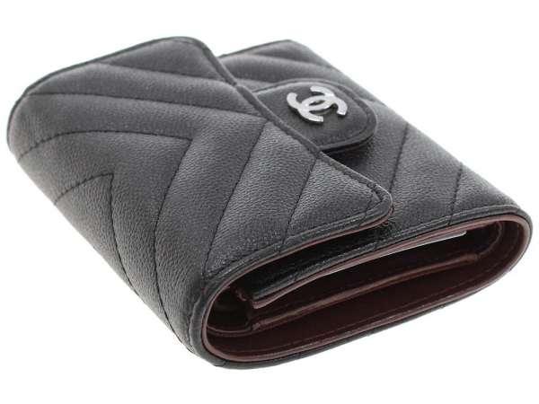 fd84e1f26f21 シャネル 財布 シェブロン キャビアスキン ココマーク A84029 CHANEL 三つ折り財布 Vステッチ-レディース財布