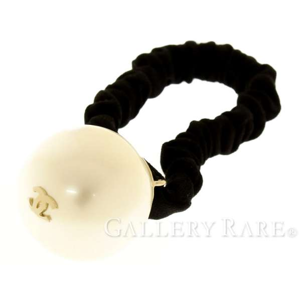 CHANEL Hair Accessory Pearl CC Logo Scrunchie A63896 F18V Authentic 5085668 3d2892d8817