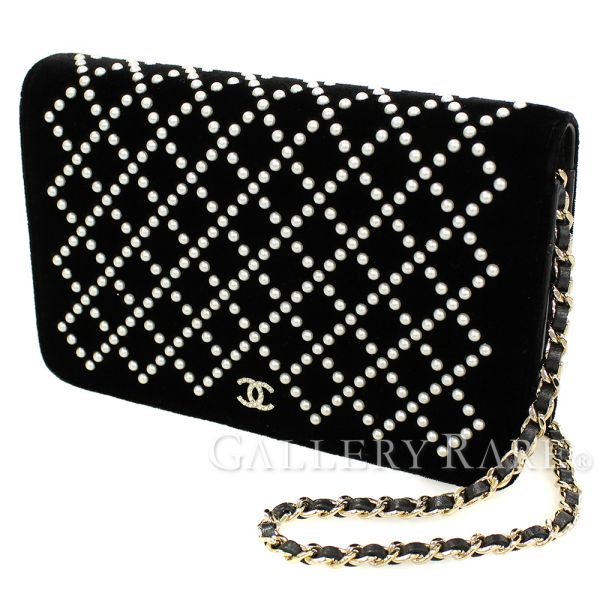5a6ad1c4cd51 Chanel chain wallet here mark pearl velvet A84273 CHANEL fake pearl wallet  ...