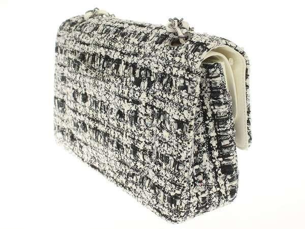 6a9a5c3e5dcd ... Chanel chain shoulder bag matelasse 25W flap W chain here mark black and  white tweed A01112 ...