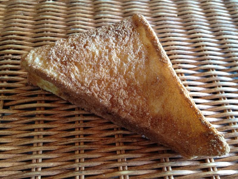 シナモン好きにはたまらない! 【シナモンフレンチトースト】厚切り食パンを使用したシナモン味のフレンチトースト