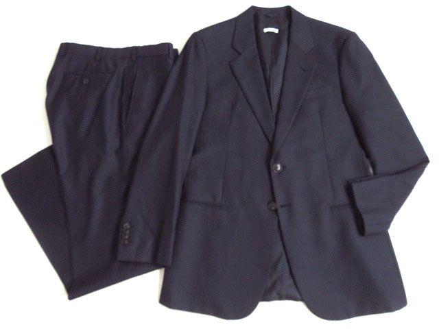 【中古】美品●正規品 ジョルジオアルマーニ ストライプ柄 シングルスーツ ダークネイビー 48 イタリア製 ビジネスシーンなどにオススメ♪