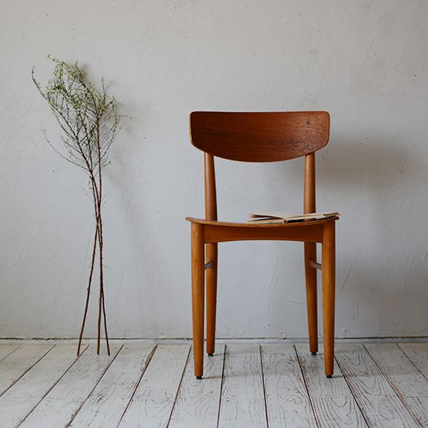 【デンマーク】【北欧ビンテージ家具】ダイニングチェア 椅子 チェア 木製 チーク ビーチ 天然木 北欧家具 ビンテージ おしゃれ Dining Chair D-805D057A