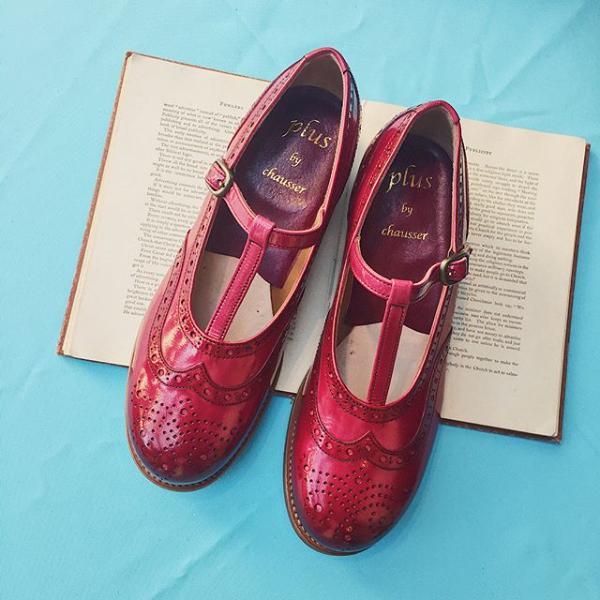 plusbychausserプリュスバイショセPC-5042手染めエナメルTストラップシューズレッドground靴 ポイント5倍