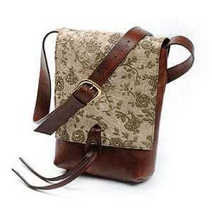 送料無料 ショルダーバッグ Sサイズ 革 イタリア製 イクニコ メンズバッグ レディースバッグ プレゼント クリスマス おしゃれ