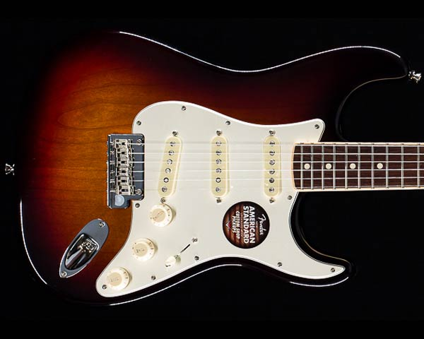 Fender USA(フェンダー)Limited Edition American Standard Stratocaster Channel Bound 3-Tone Sunburst