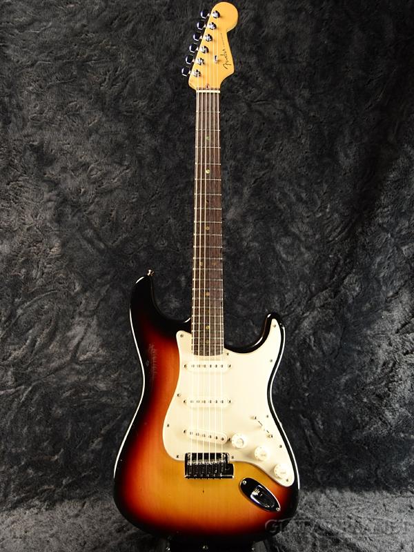 【中古】Fender USA American Deluxe Stratocaster -3-Color Sunburst- 2004年製[フェンダー][アメリカンデラックス,アメデラ][3カラーサンバースト][ストラトキャスター][Electric Guitar,エレキギター]【used_エレキギター】