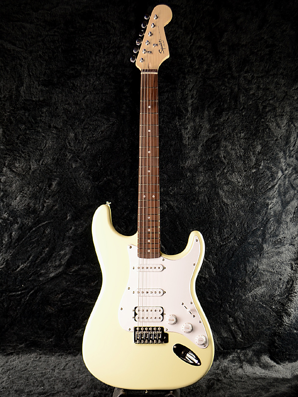 Squier Bullet w/Tremolo HSS 新品 アークティックホワイト[スクワイヤー][バレット][Arctic White,白][Stratocaster,ストラトキャスター][Electric Guitar,エレキギター]