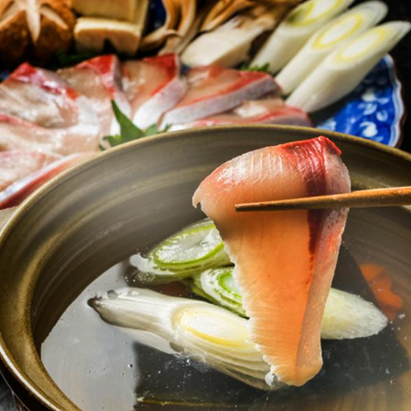 脂がのったお刺身用ぶりをさっとしゃぶしゃぶ 魚の旨味あり 豊洲市場海鮮鍋セット ぶりしゃぶしゃぶセット 冷凍便 ぶり 海鮮鍋 メーカー公式 期間限定の激安セール ぶりしゃぶ 鍋 鍋セット しゃぶしゃぶ
