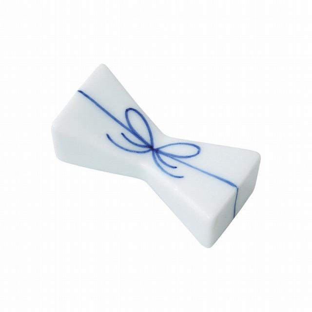 新品 受注後3~4日で発送をいたします 結び 箸置 青 波佐見焼 Musubi chopstick 誕生日 お祝い ceramic. spoon rest blue Hasami ware Japanese 定番