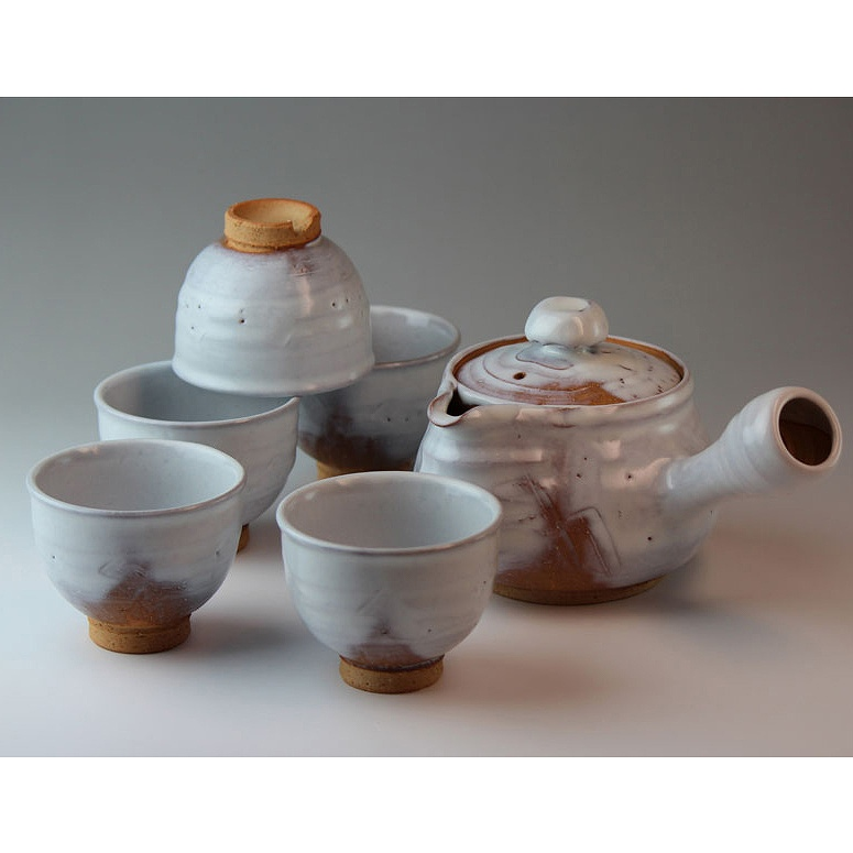 萩焼 白釉茶器揃(木箱) Hagiyaki teapot set made in Japan. Japanese pottery with wood box.