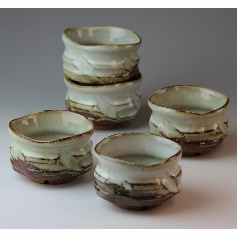 萩焼 山翠汲み出し揃佳俊作(木箱) Hagiyaki 5 tea cups made in Japan. Japanese pottery with wood box.