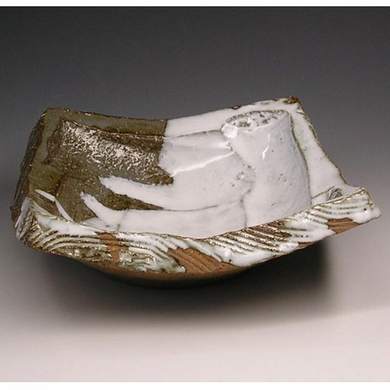 萩焼 刳り貫き四方鉢 木箱入 Japanese ceramic Hagi-ware. Kurinuki shiho square bowl.