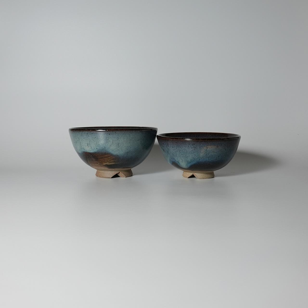 萩焼 青萩組茶椀 清玩作 木箱入 Japanese ceramic Hagi-ware. Set of 2 aohagi meoto meshiwan bowl with wooden box.