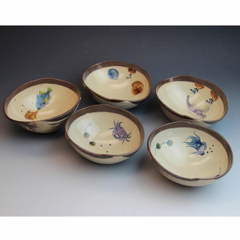 萩焼 絵替わり編み笠筆洗向付揃 木箱入 Japanese ceramic Hagi-ware. Set of 5 amigasa small bowls with wooden box.