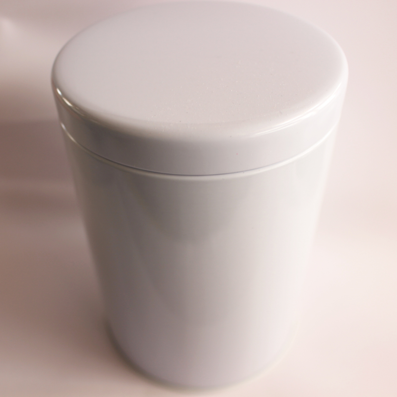当店一番人気 大型の防湿缶です 密閉性が高く保存用にぴったり 大型紅茶キャニスター 白 防湿缶 150~250g用 開店記念セール