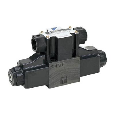 ダイキン工業:ダイキン 電磁パイロット操作弁 電圧AC100V 呼び径1/4 最大流量100 KSO-G02-2BA-30-N 型式:KSO-G02-2BA-30-N