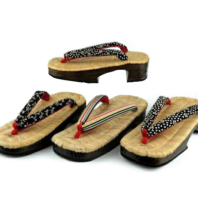 竹の皮を編み込んだ表を使用した趣のある下駄 ソフトタイプの履きやすさ 女性用 下駄 竹皮 新品 キャンペーンもお見逃しなく 使用 Mサイズ 右近 送料込