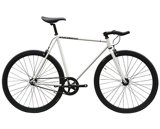 Cartel Bikes(汽车三摩托车)的pisutobaiku,Avenue Lo(大道低下)