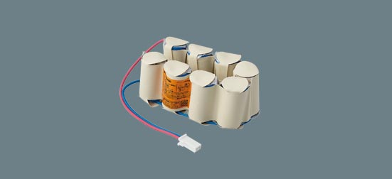 パナソニック 誘導灯 バッテリー 交換電池 FK886 1個 ニッケル水素蓄電池 置換え前型番:FK679 PANASONIC