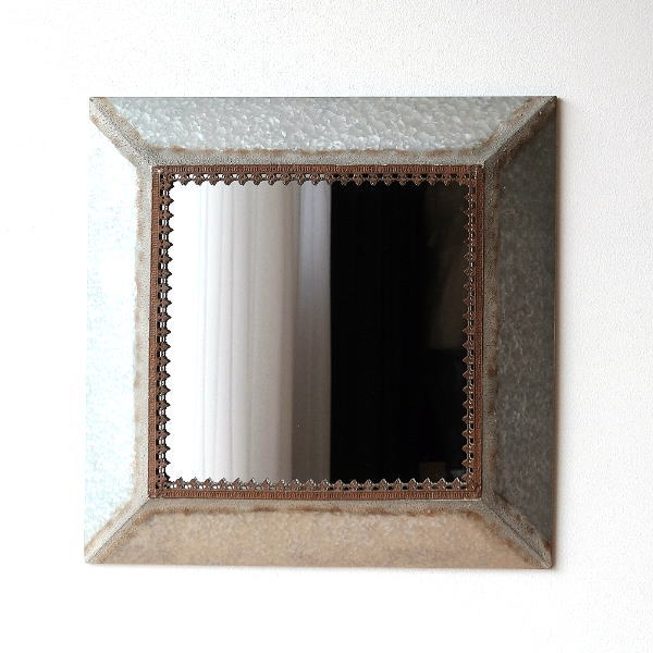 鏡 壁掛けミラー おしゃれ アンティーク レトロ 大型 大きい リビング 玄関 シャビー クラシック エレガント 正方形 四角 ウォールミラー スクエアメタルフレームのビッグミラー