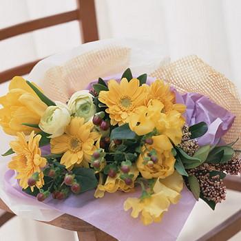 誕生日 いい夫婦の日 開店祝い 送別 プレゼント おまかせ 黄色オレンジ系 花束 送別 花 人気ランキング 花ギフト 花束 結婚記念日 (誕生日 などにも) バラ 就任 送別 17 花束