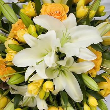 誕生日 開店祝い プレゼント おまかせ 黄色オレンジ系花束 誕生日 開店祝いギフト お祝い ブーケ 花 人気ランキング 花ギフト 花束 結婚記念日 (就任 送別 誕生日 などにも) バラ 就任 送別 36 花束