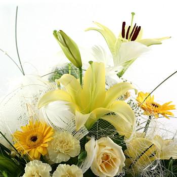 お中元 誕生日 開店祝い 開業祝い プレゼント おまかせ 黄色オレンジ系フラワーアレンジメント 花 人気ランキング 花ギフト 花束 結婚記念日 (誕生日 などにも) バラ 就任 送別 83