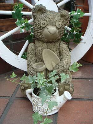 ガーデニング ガーデン ベアー くま イングリッシュ 英国 魔除けグッズ ストーン製 送料無料【花遊び】 『Teddy Bear・ガーデニングベアー』