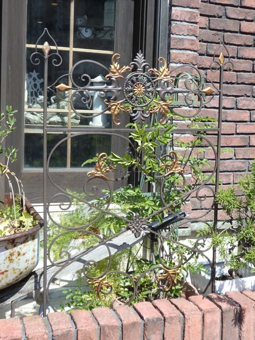 ガーデン雑貨 ガーデニング フェンス アイアンピック 柵 アンティーク『ベルサイユ♪トレリス』