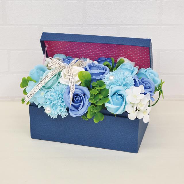 箱からシャボンフラワーが飛び出した賑やかなフラワーボックス ボックスタイプのシャボンフラワー シャボンフラワー 送料無料限定セール中 ソープフラワー ブルーSBL-115 ハーモニー 贈答品 BLUE