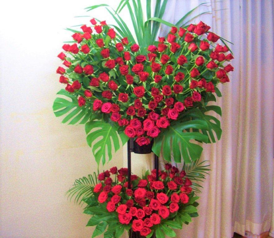 【送料無料】お祝いWハートローズスタンド花