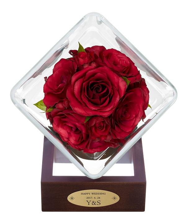 プロポーズの花束を残すプレートにはお二人のお名前 日付が入ります 3D立体ドライフラワー加工 Reine De Fleur レンデフロール ボトルフラワー 結婚祝い 花束を残す 送料無料 ドライフラワー プロポーズの花束を残す メーカー公式ショップ SBタイプ1個 スモールブーケ