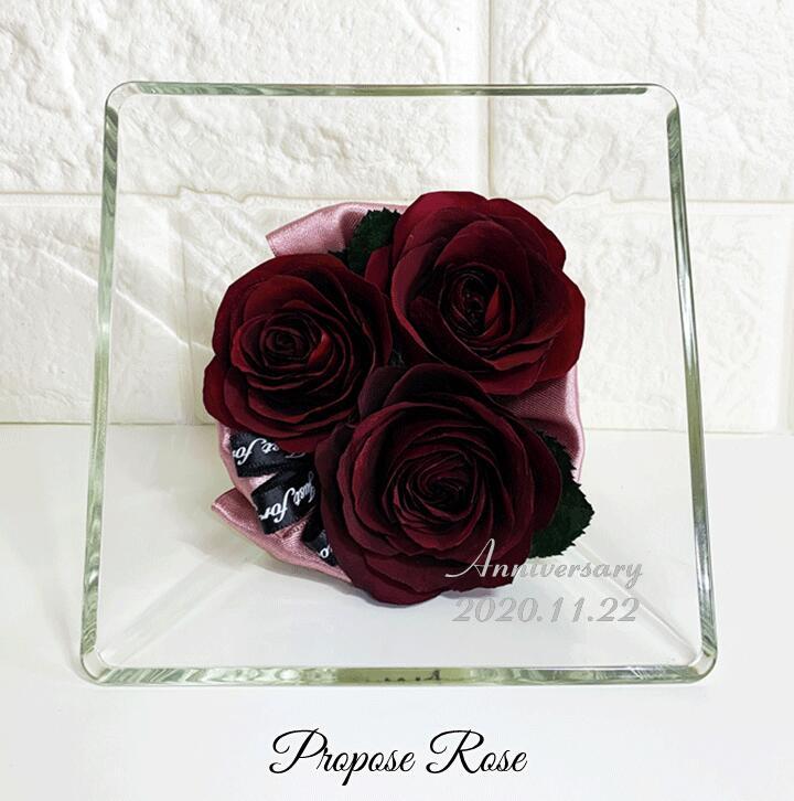 プロポーズ ローズ Mサイズ 名前と日付の刻印が入ります/赤い薔薇 レッドローズ 赤いバラ ドライフラワー Red Rose スクエアボトル プロポーズ記念 保存 加工
