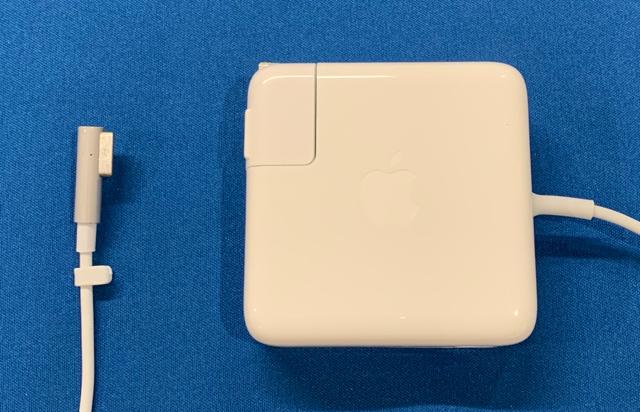 予約 激安価格と即納で通信販売 ACアダプタ:Apple製 純正新品 MacBook A1344 Pro用60W MagSafe