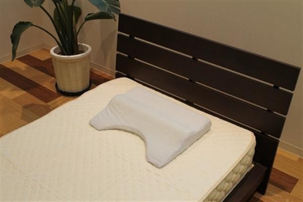 【日本製 枕】隙間の開きにくい低反発ショルダー枕 ブルー