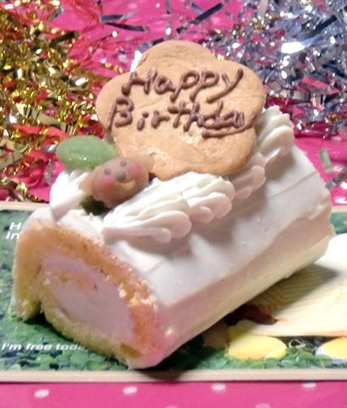 ペット 安心と信頼 犬用 おやつ 超特価 ケーキ かわいい お祝い 国産 米粉のロールケーキ☆ハッピー米粉ロール プレゼント ごはん ご褒美 誕生日