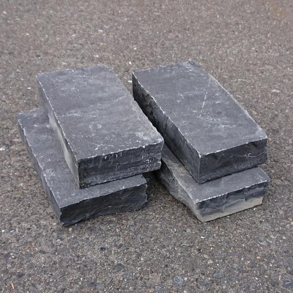 インド直輸入 レンガサイズ 早割クーポン 庭 ガーデニング DIY ハンズマン 天然石 レンガタイプ 敷石 約20cm×10cm 送料別 厚さ:約4cm 与え 通常配送 TORVALE 3225925 重さ:約2kg ブラック